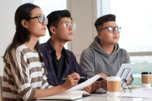 asian-students-taking-note-negotiation