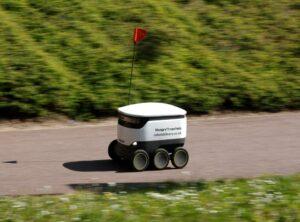 delivery-robot-Milton-Keynes-4-min